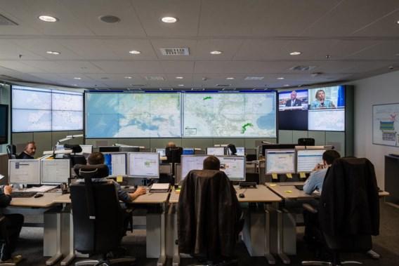 Het Situation Centre van Frontex: de groene bollen op de wandvullende schermen zijn 'incidenten' - vluchtelingen die in groep een Europese buitengrens proberen te overschrijden.