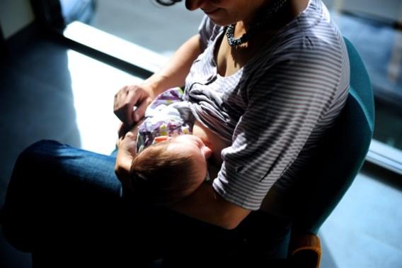 Volksgezondheid roept op zo lang mogelijk borstvoeding te geven