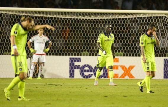 Spelers Anderlecht compenseren supporters na afgang in Qarabag