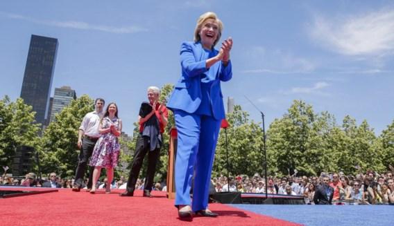 Ondanks de slechtere cijfers zit Clinton nog steeds in poleposition voor de Democratische nominatie.