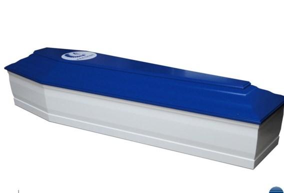 Een kist in blauw-wit.