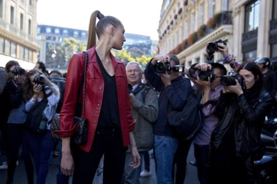 Zo word je gefotografeerd tijdens de Parijse modeweek