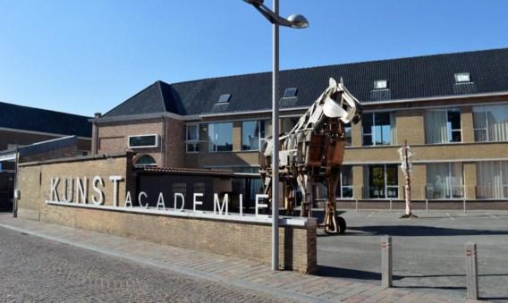 Een deel van de kunstacademie zit nu al op de Godelievesite, waar straks een nieuwe academie komt.