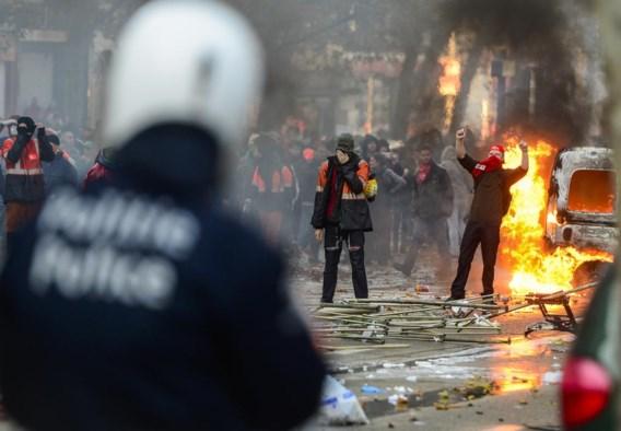 6 november vorig jaar: dokwerkers gingen door het lint tijdens een nationale betoging.
