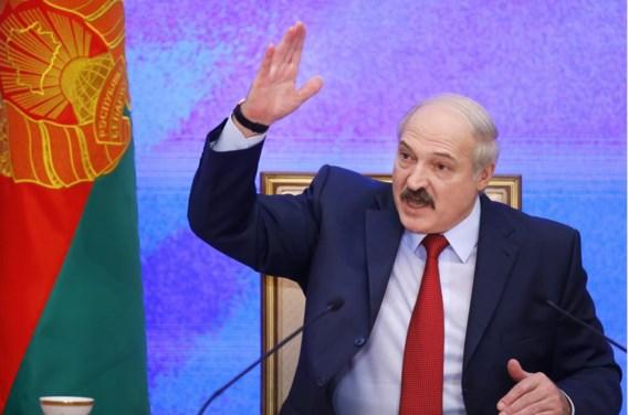 Veel waarnemers denken dat Loekasjenko zijn neus langzaamaan naar het Westen aan het richten is.