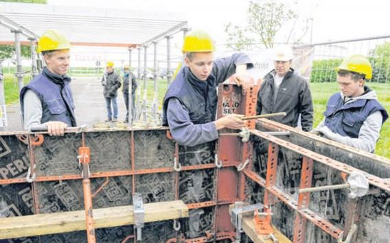 Bouwdis laat jongeren proeven van bouwsector