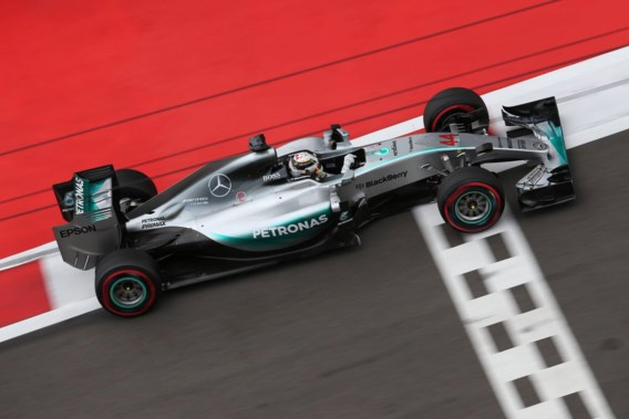 Mercedes wereldkampioen Formule 1 na tijdstraf Kimi Raikkonen