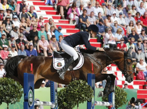 Karin Donckers wint nu ook Eventing Floresti
