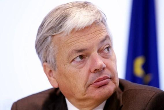 Reynders: 'Van Overtveldt moet greep krijgen op zijn administratie'