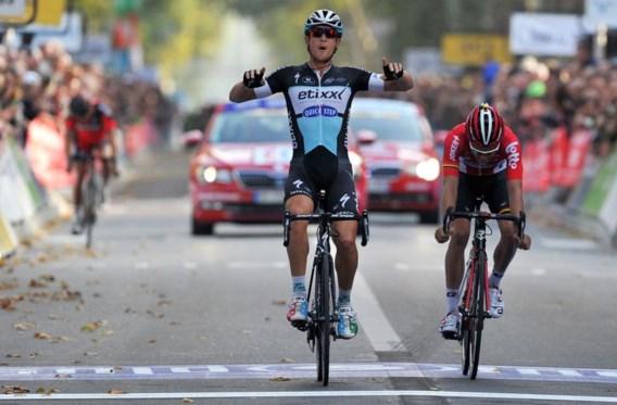 Matteo Trentin wint Parijs-Tours, pech nekt Van Avermaet