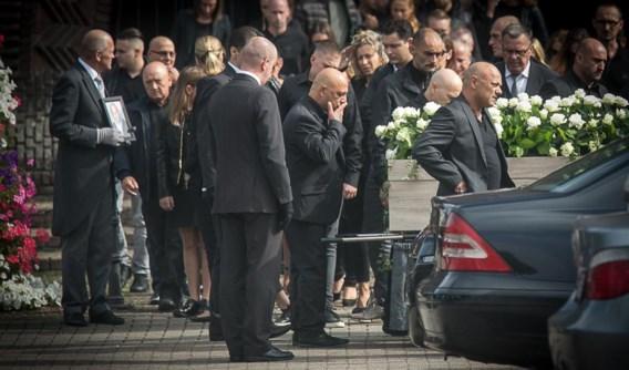 Honderden mensen woonden op 3 september de begrafenis van Silvio Aquino bij.