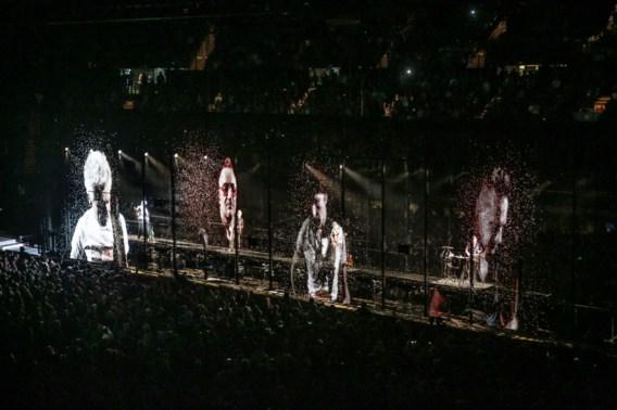 U2 tijdens de Innocence+Experience Tour in Californië: beeldanimatie van EMC.
