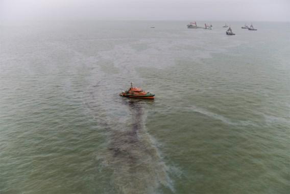 Oliedeeltjes spoelen aan in Oostende