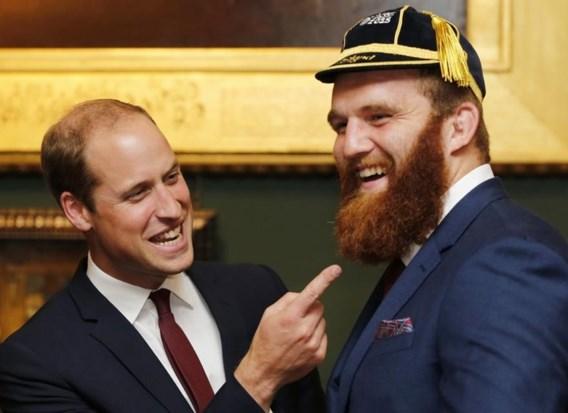 """<p>Prins William toont tijdens de officiële openingsceremonie van het WK in Londen dat hij weet waar Jake Ball's talent huist. Ball speelt straks de kwartfinale tegen Zuid-Afrika. <span class=""""credit"""">reuters</span></p>"""
