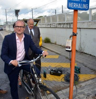 Minister Weyts laat verplicht gebruik fietshelm verder onderzoeken