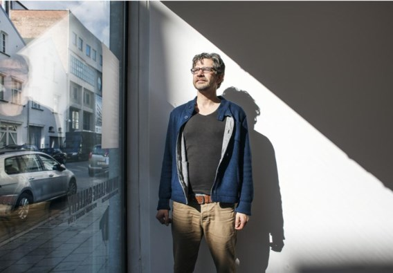 """Wim Helsen: '""""Hoe verder men keek, hoe groter het leek."""" Prachtig gedichtje van Jules Deelder over het heelal.'"""