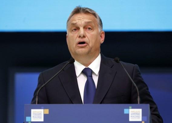 Hongaarse premier vergelijkt vluchtelingenstroom met leger