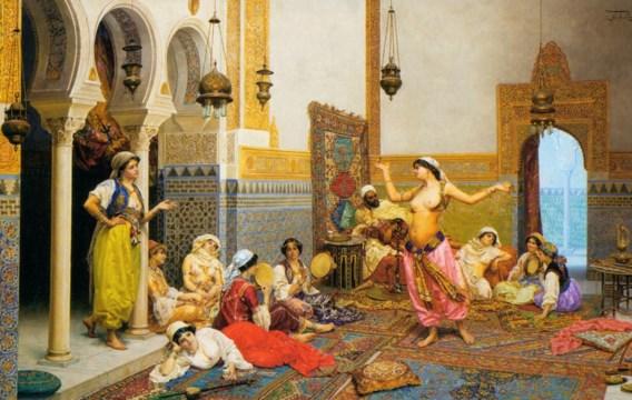 De sultan rust even uit op zijn bed. Een harem hebben kan best vermoeiend zijn.