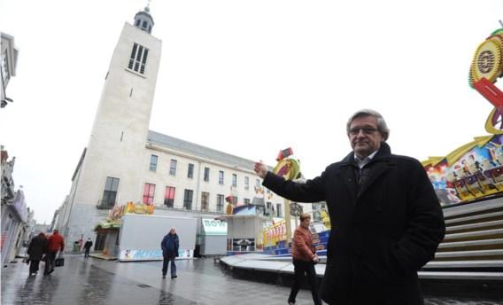 Dirk Huylebrouck op het Wapenplein: 'De meridiaanlijn zou een toeristische trekpleister kunnen worden.'