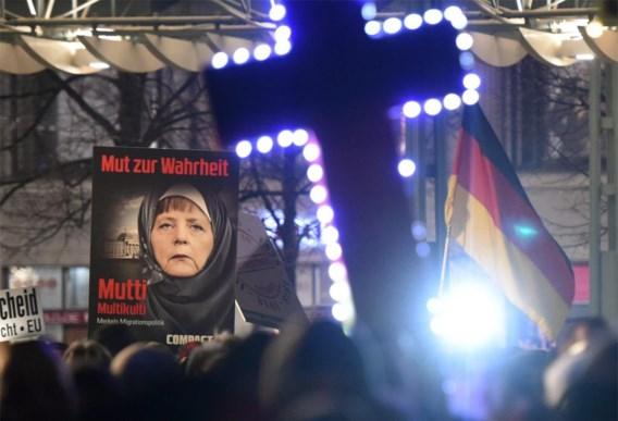 Op manifestaties van de anti-islambeweging Pegida is Merkel kop van jut.