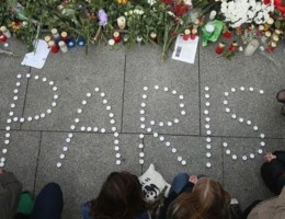 Een kijk op de vele steunbetuigingen voor Parijs