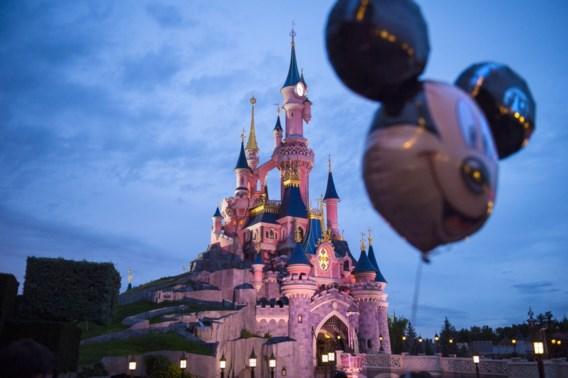 Disneyland Parijs blijft tot dinsdag gesloten