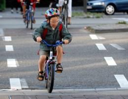 Amper 9 procent van de jongeren draagt fietshelm