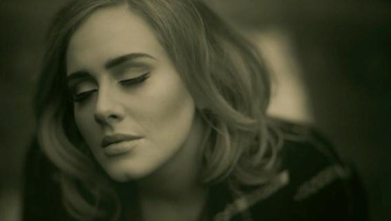 Adele neemt op '25' geen risico's, en gelijk heeft ze.
