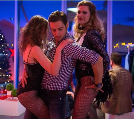 Louis Talpe speelt een dj en producer die graag feestjes organiseert in zijn appartement.