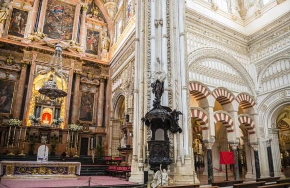 De Spaanse clerus probeert de islamitische wortels van de Mezquita in Córdoba uit te vagen.