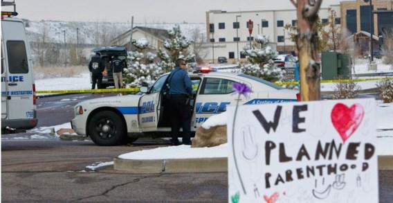 Bij een aanval op een Planned Parenthoodziekenhuis in Colorado Springs doodde een man drie mensen.
