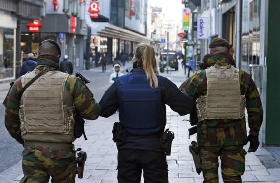 Onderzoek gestart naar mogelijke orgie tussen militairen en politieagentes tijdens terreurdreiging