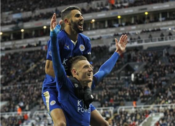 Spelmaker Riyad Mahrez (boven) en aanvaller Jamie Vardy stuwden Leicester naar de top.