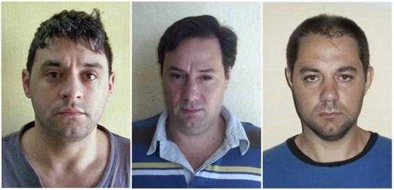 Gevluchte moordenaars drijven politie tot wanhoop