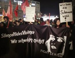 Honderden vrouwen op straat in Keulen tegen seksisme en geweld