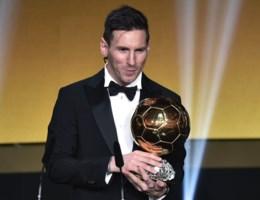 Lionel Messi pakt Gouden Bal (voor de vijfde keer):