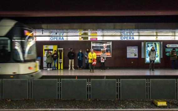 Reizigers zullen de halte Diamant, Astrid of Meir moeten nemen, want halte Opera sluit een tijdje.