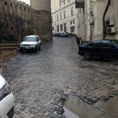 Zo extreem smal wordt het F1-circuit in Azerbeidzjan
