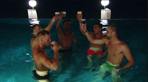 'Temptation Island' is begonnen: vooral de mannen amuseren zich