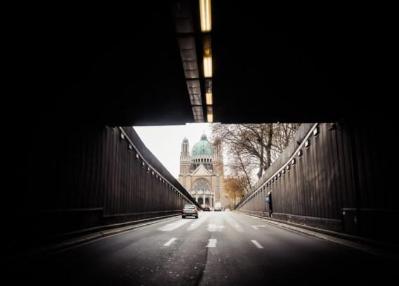 Leopold II-tunnel: van de basiliek van  Koekelberg naar Brussel-centrum.   Bouwjaar: 1986. Toestand: dramatisch.