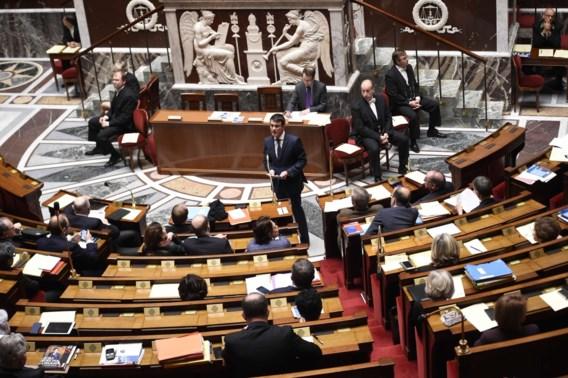 Franse Assemblée stemt verlies Franse nationaliteit van veroordeelde terroristen in grondwet