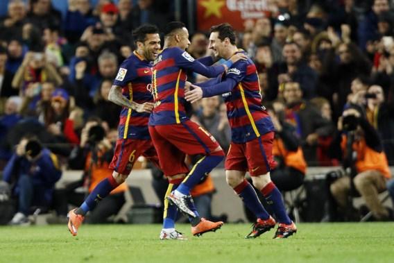 BUITENLANDS VOETBAL. Arsenal en Spurs doen mee om Engelse titel, Barça tovert verder in Camp Nou