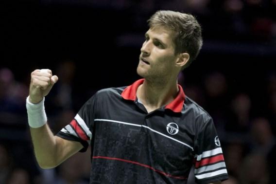 Martin Klizan steekt trofee ATP Rotterdam op zak