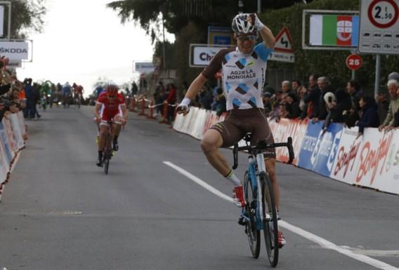 Jan Bakelants wint (en mist vlucht):
