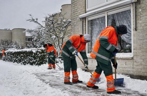 In het systeem van gemeenschapswerk kunnen langdurig werklozen nuttige klussen uitvoeren.