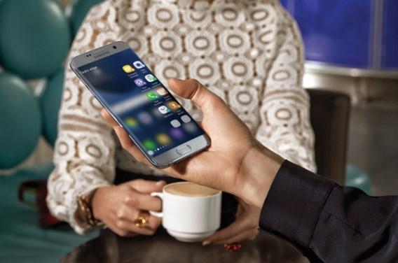 REVIEW. Samsung Galaxy S7 edge: Toptoestel met een hoek af