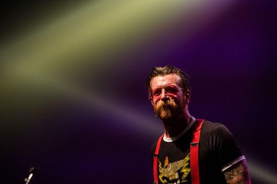'Eagles of Death Metal'-frontman verdenkt bewakers Le Bataclan van samenwerking met terroristen