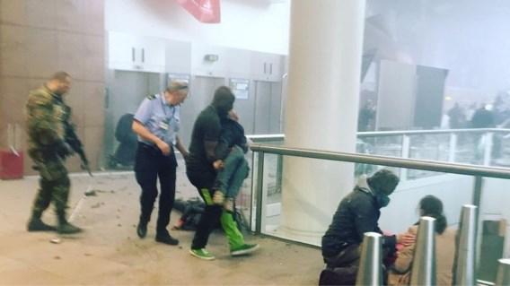 Deze bagagemedewerker bracht talloze mensen in veiligheid