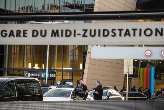 PRAKTISCH. Hier geraakt u per trein, metro en vliegtuig in Brussel