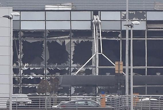 24 dodelijke slachtoffers van de aanslagen geïdentificeerd